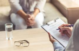 Psychiatrie: accompagner les proches pour mieux soigner les patients