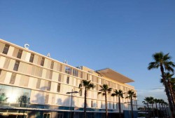 Manifestation devant l'hôpital de Cannes