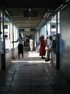Kenya: licenciement de 25.000 infirmières en grève