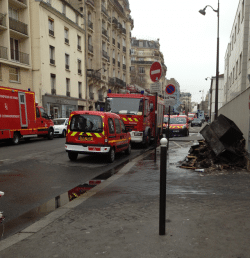 Les pompiers de Paris ont achevé le dégarnissage du local incendié de l'hôpital Necker à Paris - Crédit photo : ActuSoins