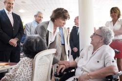 Michèle Delaunay lors de la visite de l'EHPAD de l'abbaye à Saint-Maur. © Ministère des affaires sociales/DICOM/William Alix/SIPA