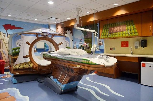 Un scanner entièrement décoré en pédiatrie