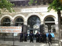 Façade de l'Hôtel Dieu en mai 2014 - LM