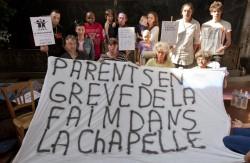 greve de la faim parents enfants oncologie pediatrique, Garches, France. ©Zahz Logoden