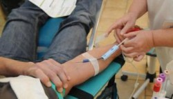 Les infirmiers autorisés à réaliser l'entretien préalable au don du sang