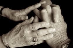 Ehpad : une aide-soignante témoigne...