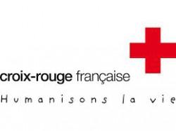 Les étudiants infirmiers de Blois récoltent des vêtements pour la Croix Rouge