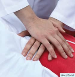 Prise en charge de l'arrêt cardio-respiratoire intrahospitalier chez l'adulte