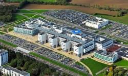 Hôpital abandonné : des données médicales et des clichés restés sur place