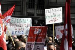 ©Cyrienne Clerc - Manifestation le 21 mai devant le siège de l'AP-HP. Une nouvelle journée de mobilisation est prévue le 17 septembre.