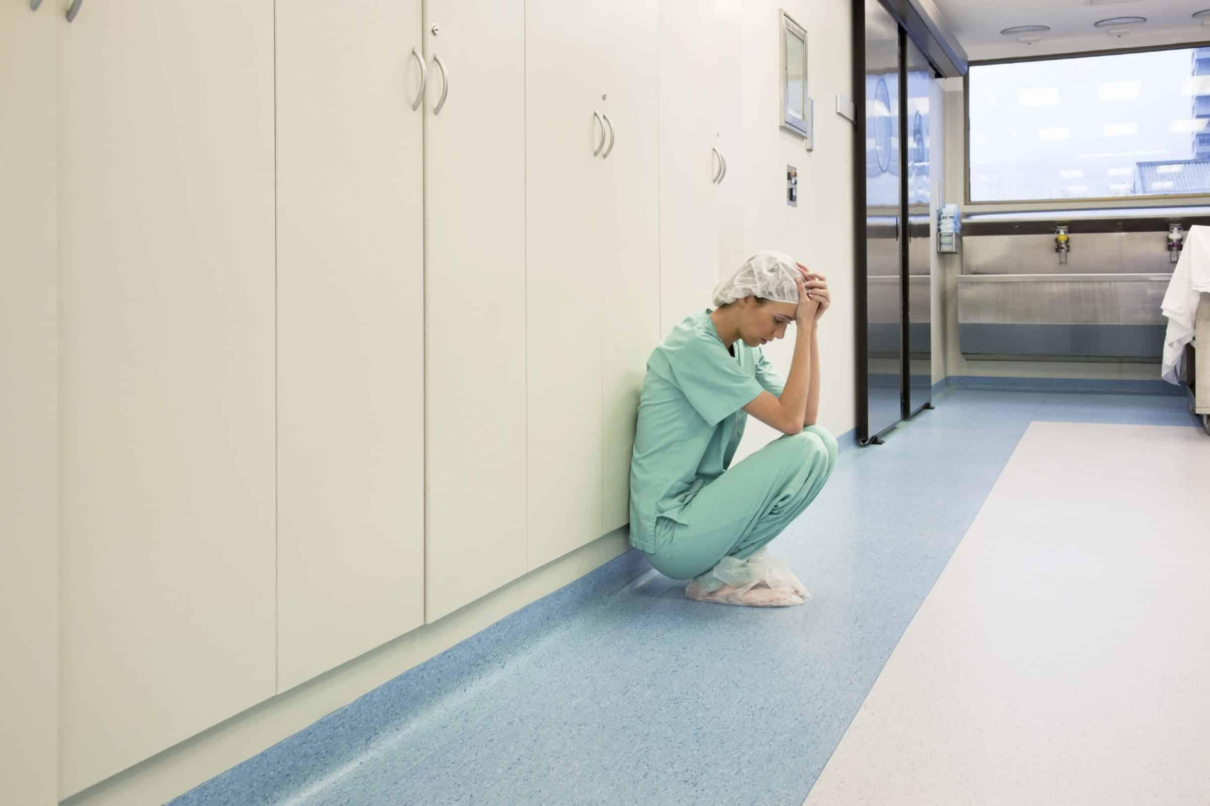 Ces Maux Qui Touchent Les Soignants Infirmière Aide