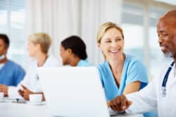 réseaux sociaux spécialisés pour les infirmiers et professionnels de santé