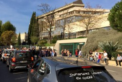 Black Friday : un succès médecins et infirmiers libéraux devant la Prefecture de Toulon