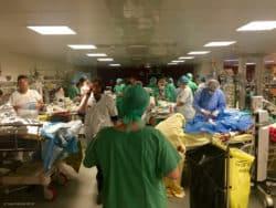 Salle de réveil à l'hôpital Saint-Louis (nuit du 13 novembre)