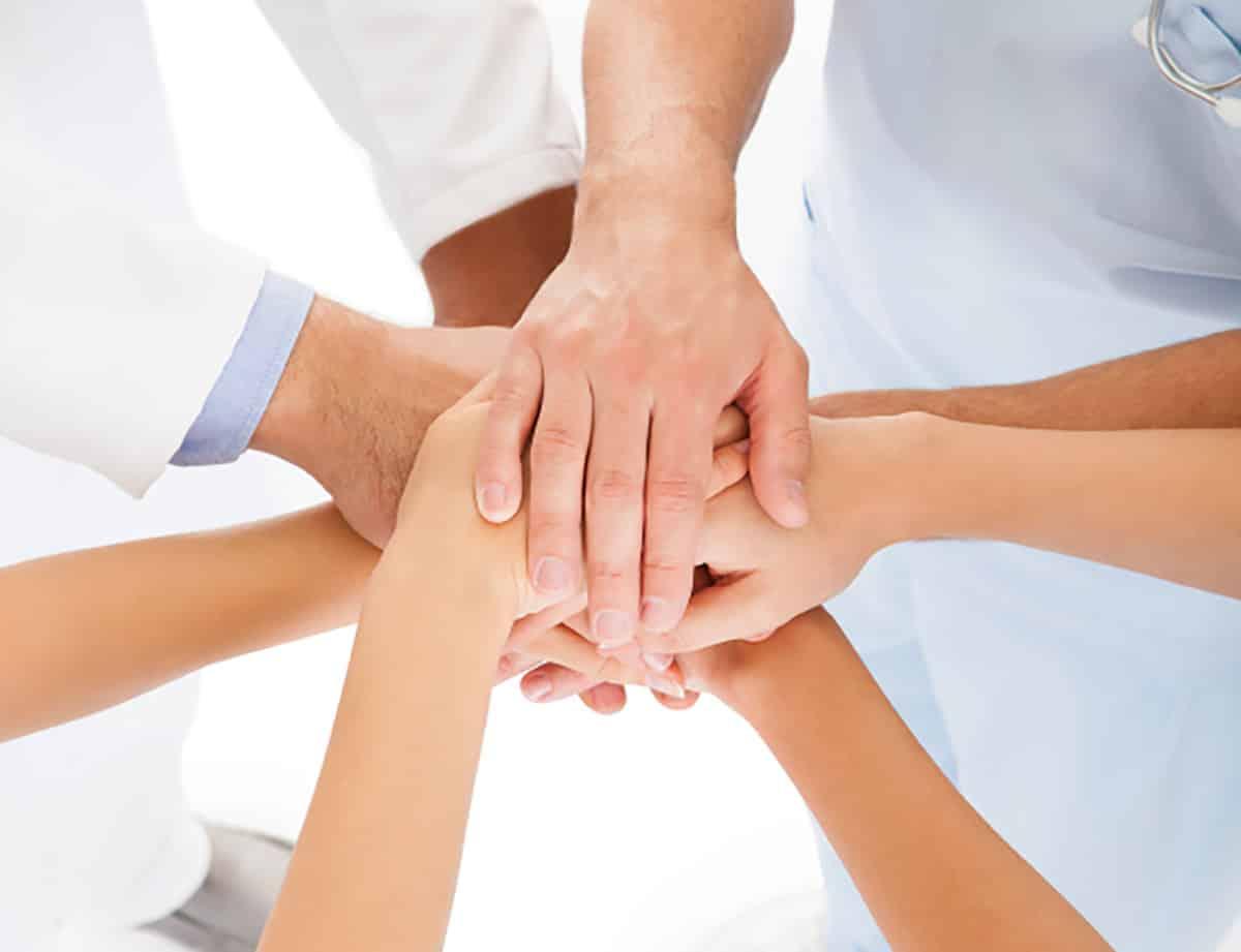 Linfirmier ou linfirmière applique et respecte la prescription médicale écrite.