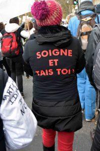 manifestation des infirmiers 8 novembre soigne et tais toi