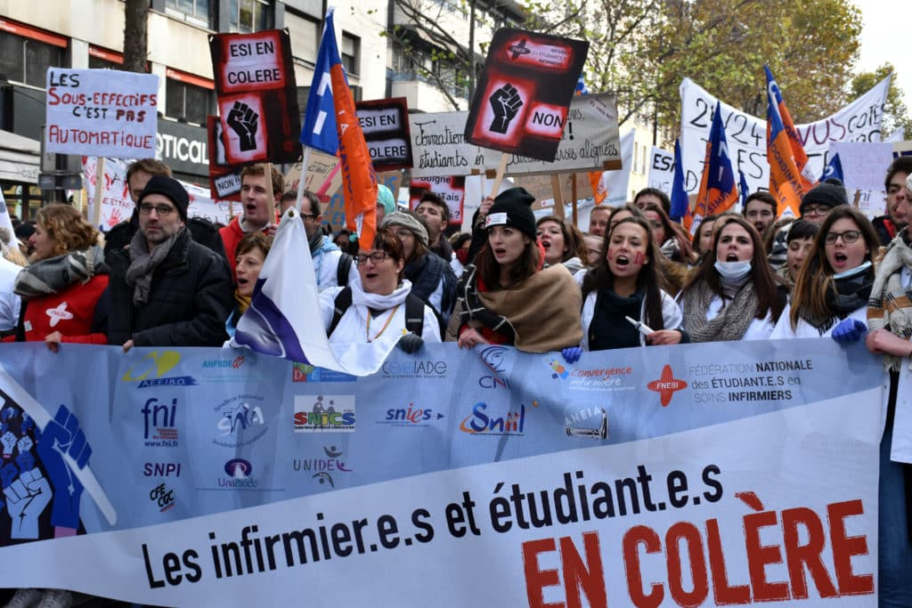 manifestation des infirmiers 8 novembre les infirmieres et etudiants en colere