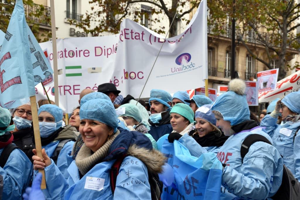 manifestation des infirmiers 8 novembre unaibode infirmière de bloc opératoire en colère