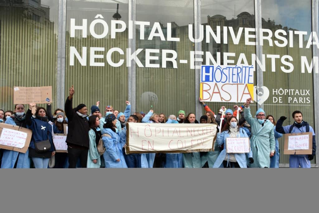 manifestation des infirmiers 8 novembre hopital necker en colère