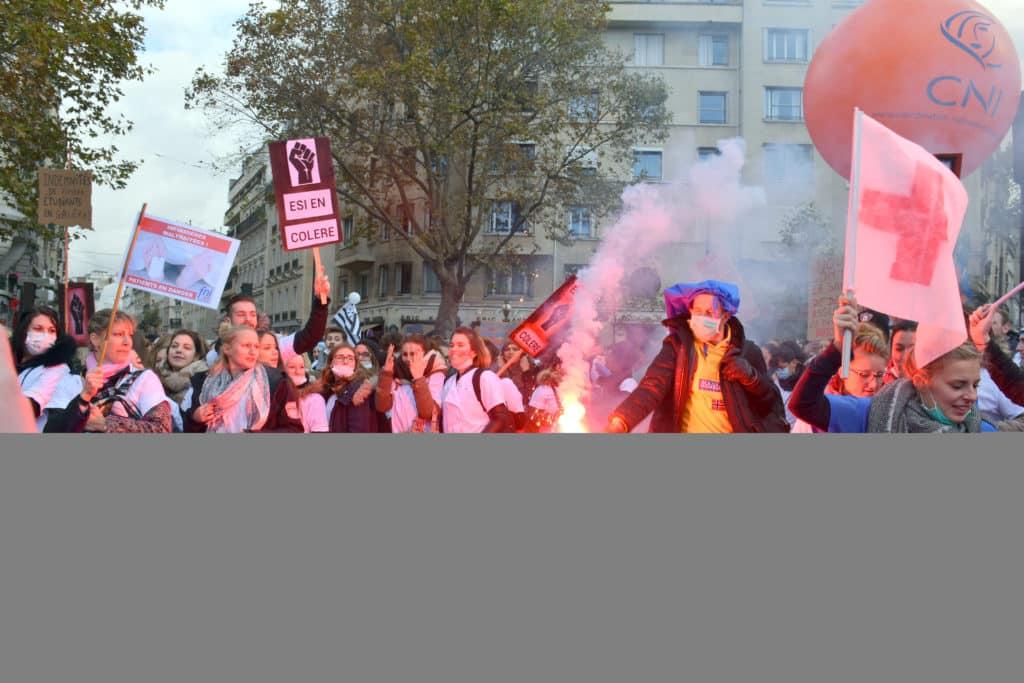 manifestation des infirmiers 8 novembre esi etudiants en soins infirmiers en colere