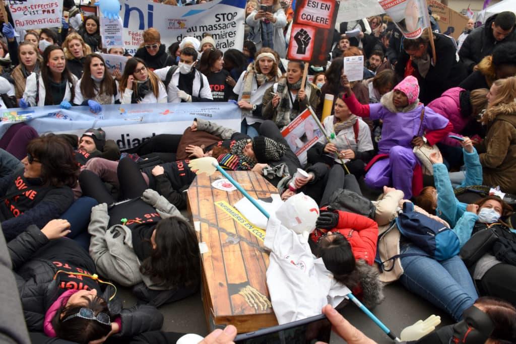 manifestation des infirmiers 8 novembre stop au massacre des infirmières libérales