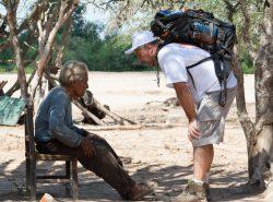 José Antonio Boggiano, infirmier, auprès des indiens atteints de la maladie de Chagas.