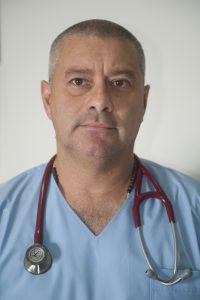 José Antonio Boggiano est un infirmier argentin. Il travaille à Buenos Aires dans une clinique privée et enseigne son métier à l'université de la UAI (Universidad Abierta Interamericana). En 2013, il a créé sa propre ONG d'infirmiers urgentistes pour venir en aide aux communautés indiennes du nord du pays souffrant du Chagas.