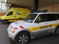 hôpital de Cerdagne Les véhicules des deux services d'urgences, français et espagnol, sur le qui-vive
