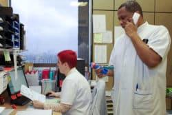Aurélie Cambon, aide-soignante, Christian Calcar, infirmier
