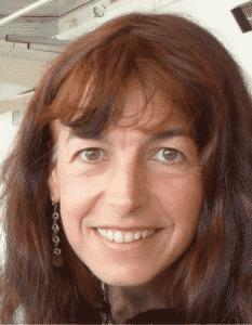 Nicole Tanda Infirmièrepuéricultrice en France, elle a suivi un programme doctoral en sciences infirmières à Montréal (Canada)