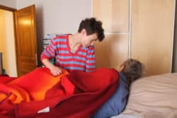 Une certaine tendresse lie Amélie Boulanger à sa patiente, qu'elle soigne depuis 18 mois