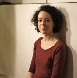 Mathilde Basset: infirmière et lanceuse d'alerte, elle publie un livre sur la situation dans les Ehpad