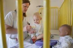 L'hôpital Femme-Enfant du CHU de Rennes est à l'origine de deux initiatives marquantes : Les p'tis doudous et le jeu Le héros c'est toi