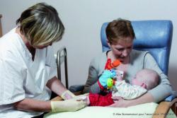 L'alliance thérapeutique regroupe l'enfant, les soignants et les parents pour une meilleure relation de confiance