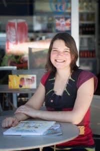 Infirmière et dessinatrice, Marianne Scellier est l'auteure du blog «Dessins D'urgence» et de la bande-dessinée du même nom