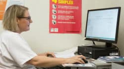 Stéphane Castan, infirmière coordinatrice en Onco-dermato au CHU de Montpellier, fait fonction d'IPA Infirmière en pratique avancée