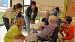 Paro: le phoque interactif qui apaise les personnes âgées