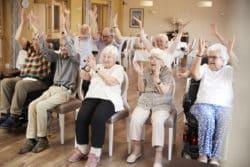 Grand âge et autonomie : lancement d'une stratégie de prévention