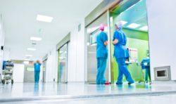 Comment l'hôpital public est-il financé?