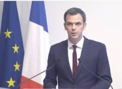 Olivier Véran promet une revalorisation du salaire des soignants
