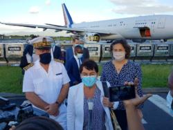 Annick Girardin est arrivée mardi 19 mai sur l'île, avec 6,7 tonnes de matériel médical pour l'hôpital… mais pas de savon