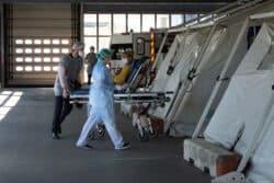 L'objectif des infirmiers d'accueil est d'éviter au maximum les contacts entre les patients ayant contracté le Covid et les autres
