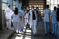 Au poste médical avancé, mis en place au CHU de Bordeaux, les équipes du SAMU et celles des urgences travaillent de concert