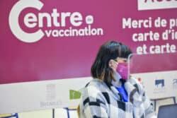 Aides-soignants, kinés, ambulanciers et secouristes habilités à vacciner : une mesure qui ne fait pas l'unanimité