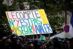 Mobilisation à Paris, le 14 juillet 2020, au lendemain des annonces du Ségur, jugées insuffisantes par les manifestants