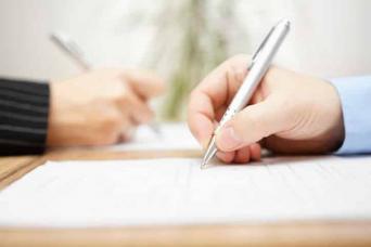 Infirmiers et auteurs: soignants jusqu'aux touches du clavier